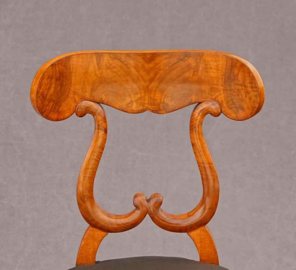 Biedermeier-Möbel Nussbaum