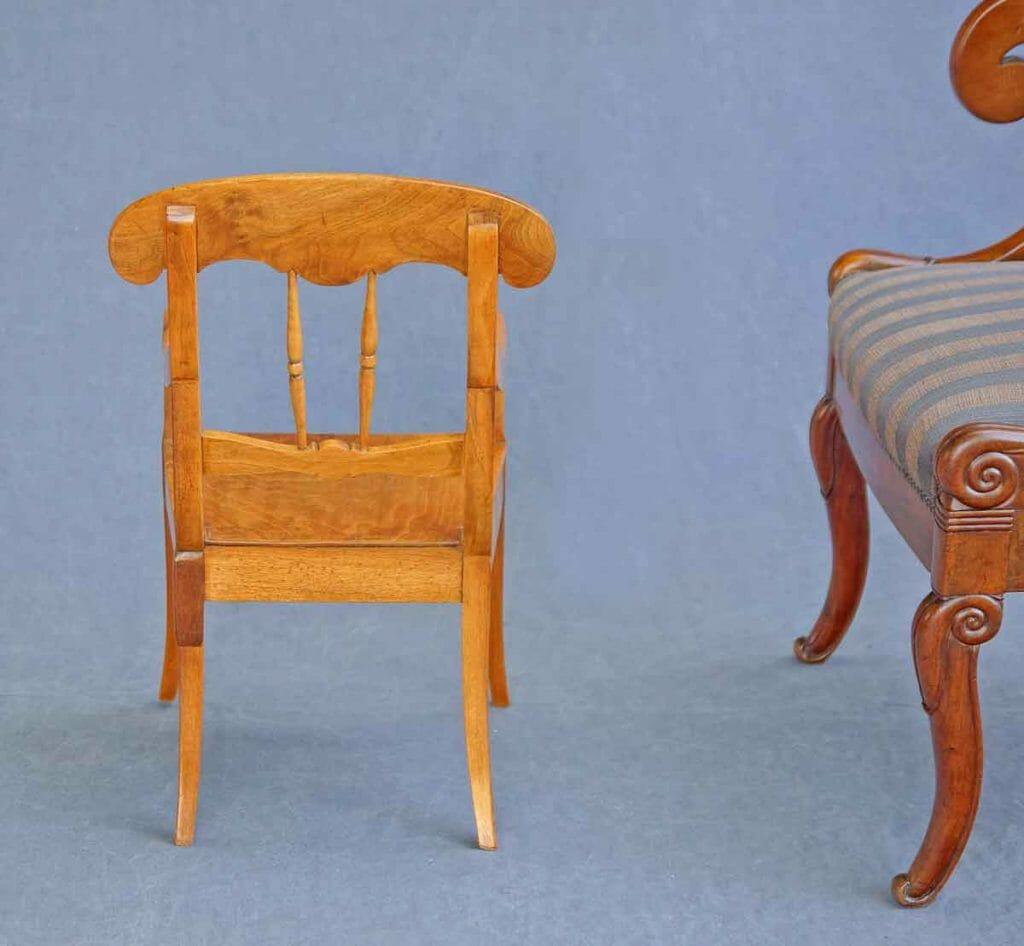 Stuhl aus der Biedermeierzeit